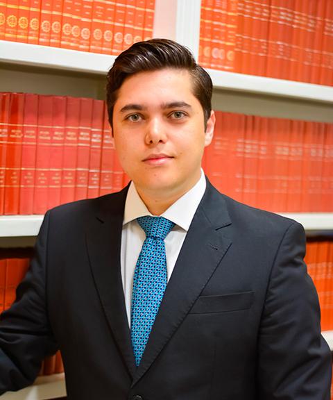 Bruno Fioravante, advogado inscrito na Ordem dos Advogados de São Paulo, especialista em Direito Civil, Direito Processual Civil e Direito do Consumidor
