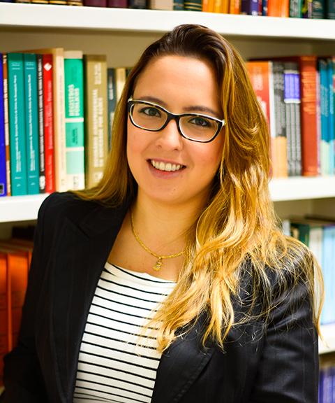 Larissa Pigão Fioravante, advogada inscrita na Ordem dos Advogados de São Paulo, especialista em Direito do Trabalho